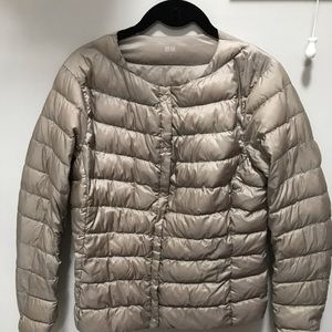 UNIQLO ultralight compact jacket